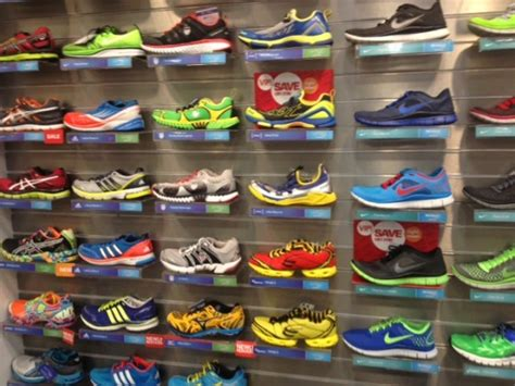 run in shoe store sole tips for buying new running shoes competitor