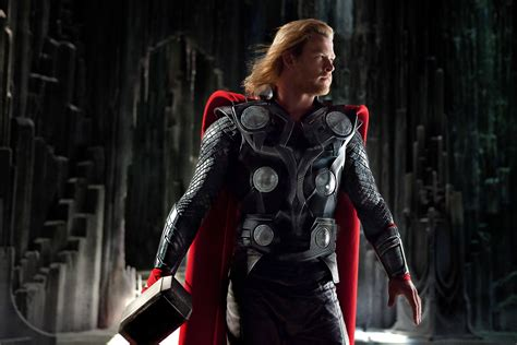 film thor sekuel thor movie images starring tom hiddleston collider
