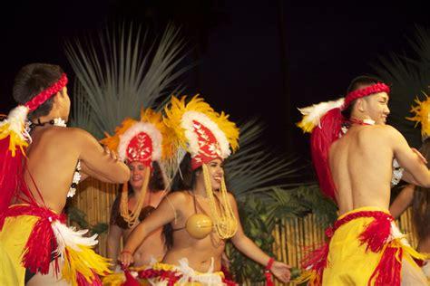 catamaran hawaiian luau dancing catamaran summer sunset luau san diego travel blog