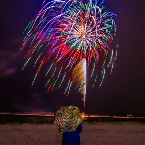 fishing boat harbour fireworks the 4 best places to view the destin harbor fireworks