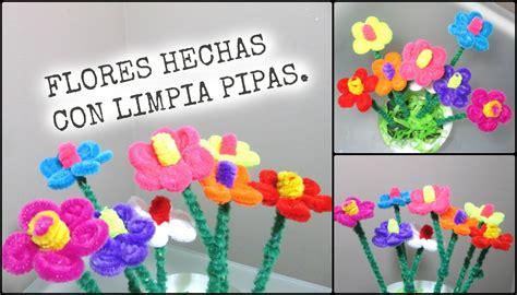 distintivos para el dia de la madre flores hechas con limpia pipas para el dia de las madres