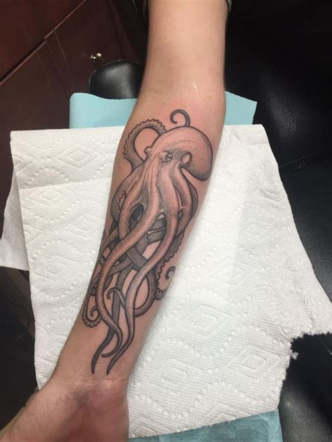tattoo aftercare aces high 25 best ideas about octopus tattoos on pinterest