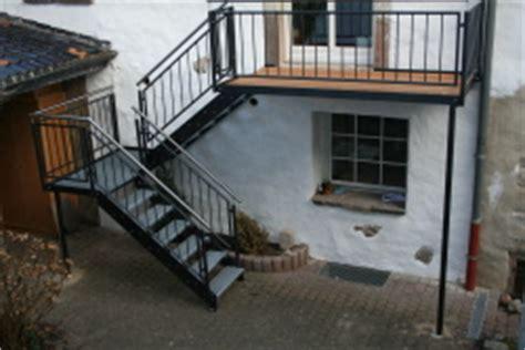 etagen wäscheständer aussen treppe aus stahl bauunternehmen