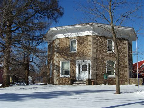 file the octagon house 3601790588 jpg wikimedia commons file octagon cobblestone house jpg wikimedia commons