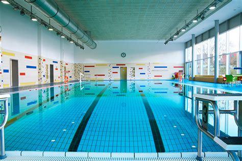 schwimmbad mit überdachung schwimmbad k 252 cknitz l 252 becker schwimmb 228 der