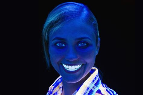 what do black lights detect things that glow in black light ultraviolet light