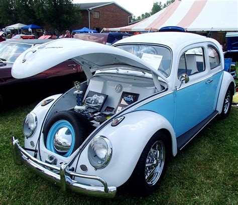 volkswagen beetle 1960 volkswagen beetle history the news wheel