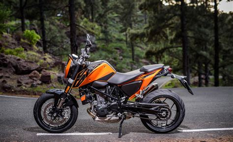 Ktm 690 Reviews 2016 Ktm 690 Duke 690 Duke R Ride Review