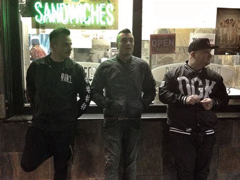 testo club dogo i club dogo annunciano il singolo weekend hip hop rec