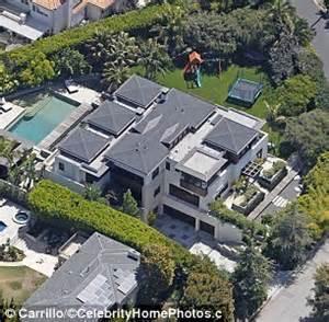 matt damon house matt damon puts his mansion on the market as ben affleck