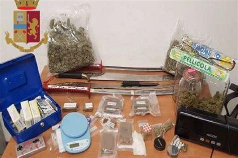 droghe in casa giambellino 2 kg di droghe spade e pugnale in casa