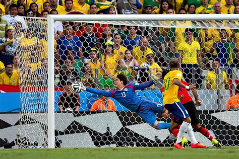 Partido Brasil Memo Ochoa Salva El D 237 A Y M 233 Xico Empata A 0 Contra Brasil