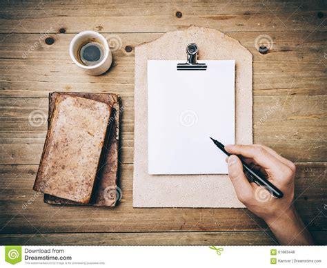 libro la hojarasca vintage espanol libros del vintage taza de caf 233 y dibujo de la mano encendido foto de archivo imagen 61983448
