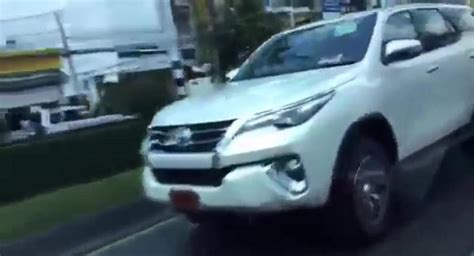 fortuner ad 1301b list blue spied all new 2016 toyota fortuner spotted on thailand