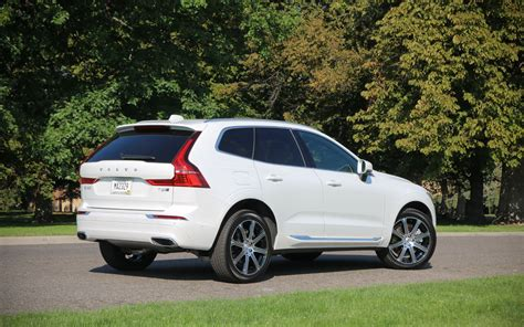 2019 Volvo T8 by Comparison Volvo Xc60 T8 Hybrid 2018 Vs Volvo Xc40