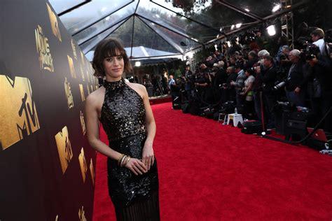 film awards red carpet 2016 2016 mtv movie awards red carpet zimbio
