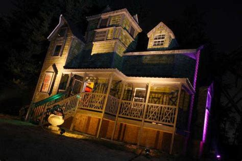 haunted house attractions the south s scariest haunted houses and attractions