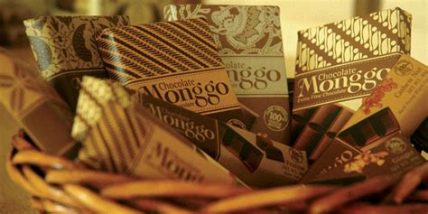 design packaging indonesia student spotlight monggo chocolate the dieline