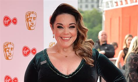 pin by lisas beauty and wellness on all about hair color pinterest lisa riley reveals she hasn t done this for 1 000 days