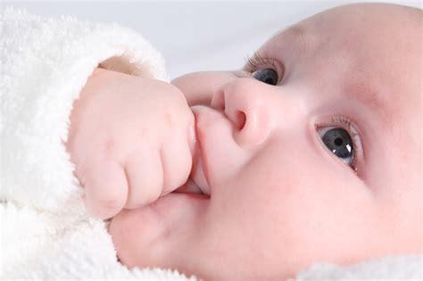 imagenes de bb llorando 191 qu 233 es la obstrucci 243 n del conducto lagrimal salud a la