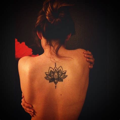 lotus tattoo in the back beautiful lotus back tattoo pinteres