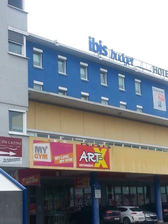 hotel salzburg flughafen etap hotel salzburg airport bild ibis budget