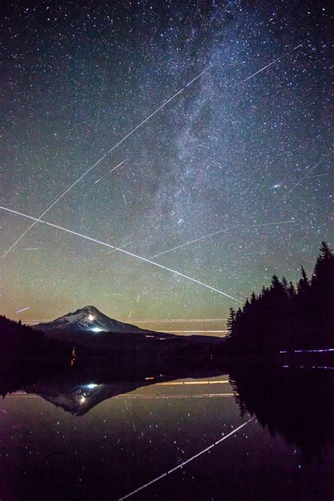 Meteor Shower Oregon by Beautiful Meteor Shower And Lakes On