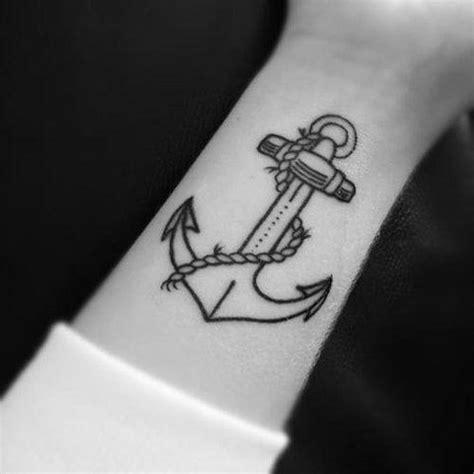 tatuagem feminina de 226 ncora no pulso fotos tatuagem