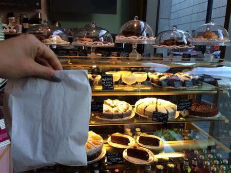 küchentheke kuchentheke bild flayva coffee tea lounge