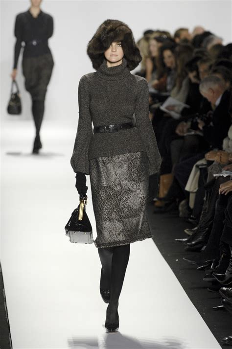 Oscar De La Renta Fall 2007 In My Bag oscar de la renta fall 2007 runway pictures livingly