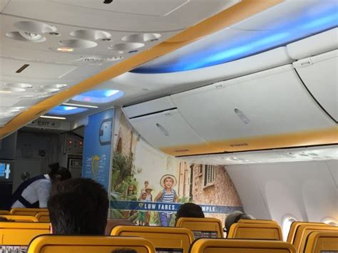 ryanair cabin the new ryanair cabin with boeing sky interior kuva