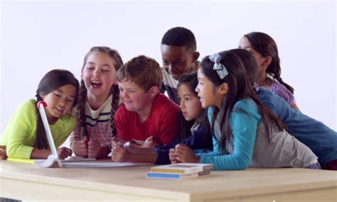 imagenes niños reales jugando osmo juega en el ipad con gente real y objetos reales