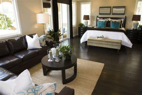 19 Jaw Dropping Bedrooms With Dark Furniture Designs Dark Brown Carpet Light Walls Earth Tones
