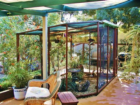 Outdoor Bird Aviary Give some Freedom to the Feathered