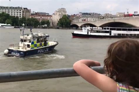 thames river police twitter hilarious moment river thames police crew spotted blasting