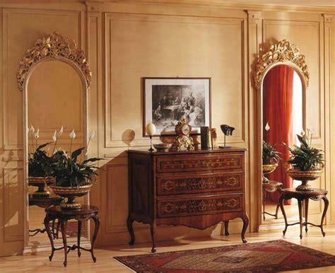 specchi per da letto classica da letto classica louvre 242 e specchi a muro
