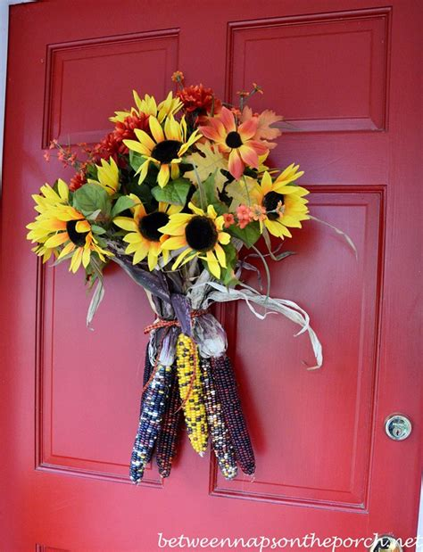 easy to make fall decorations a fall door arrangement you can make in 5 minutes or less