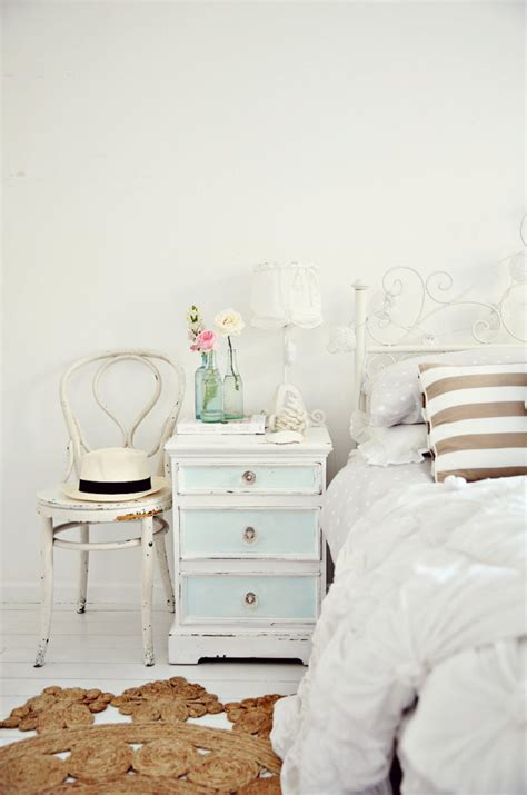 52 ways incorporate shabby chic style into every room in a beach cottage coastal vintage style bedroom home