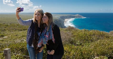 kangaroo island 2 day wildlife explorer trip by ferry