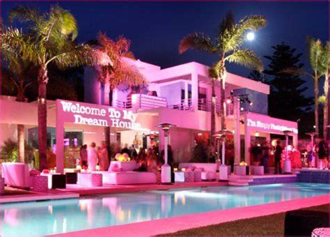 real barbie house the real life size barbie dream house in malibu ca travel pinterest