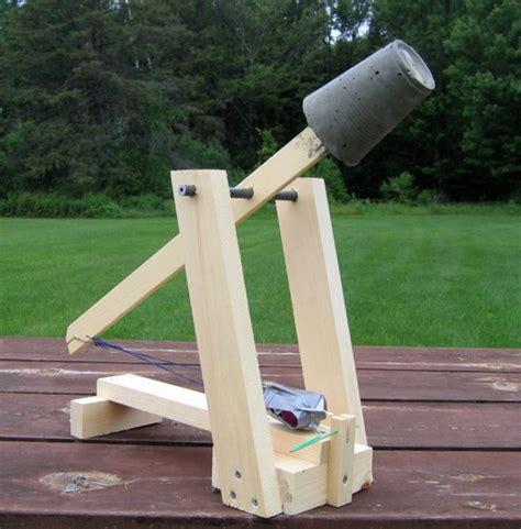 swinging counterweight trebuchet fixed counterweight trebuchet