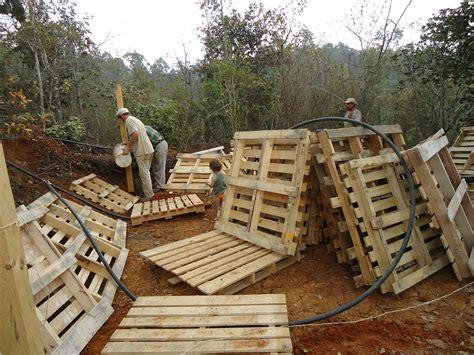 Plan De Construction D Une Cabane En Bois by Fabriquer Une Cabane En Bois Facile