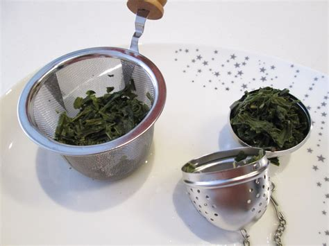 Brewing Green Tea Leaves - tea infusers which one should you use