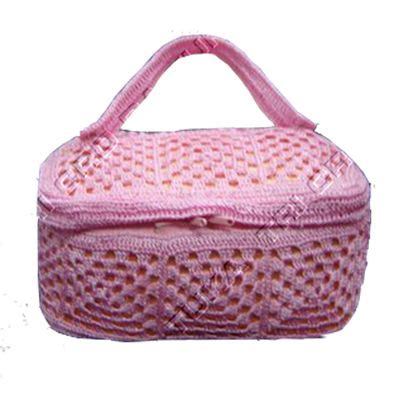 crochet travel bag pattern 10 best images about crochet cosmetic bags on pinterest