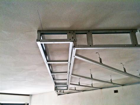costruire un controsoffitto in cartongesso costruzioni in cartongesso libreria e controsoffitto