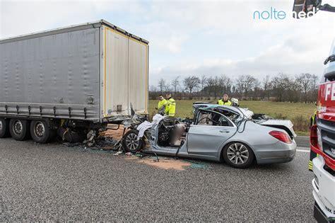 A7 Motorradunfall by Grenzkontrollen T 246 Dlicher Unfall Am Stauende S Klasse