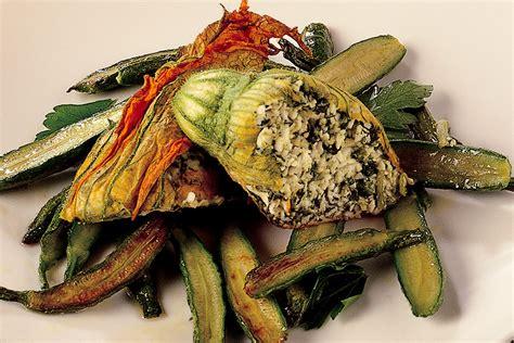 fiori di zucchina ricette ricetta fiori di zucchina imbottiti la cucina italiana