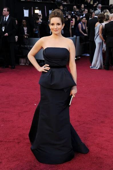 tina fey dress tina fey strapless dress tina fey looks stylebistro