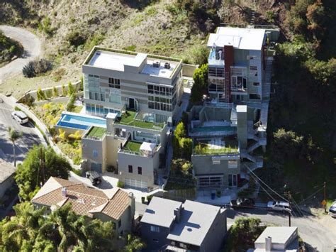 house music hollywood house swap beyonce buys cher s malibu mansion for 45m gigwise