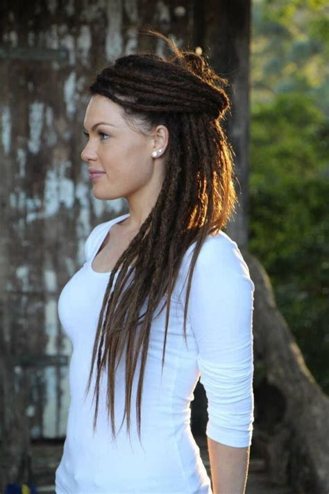 how to keep women hairstyle simple and neat dreadlocks styles for white women www pixshark com